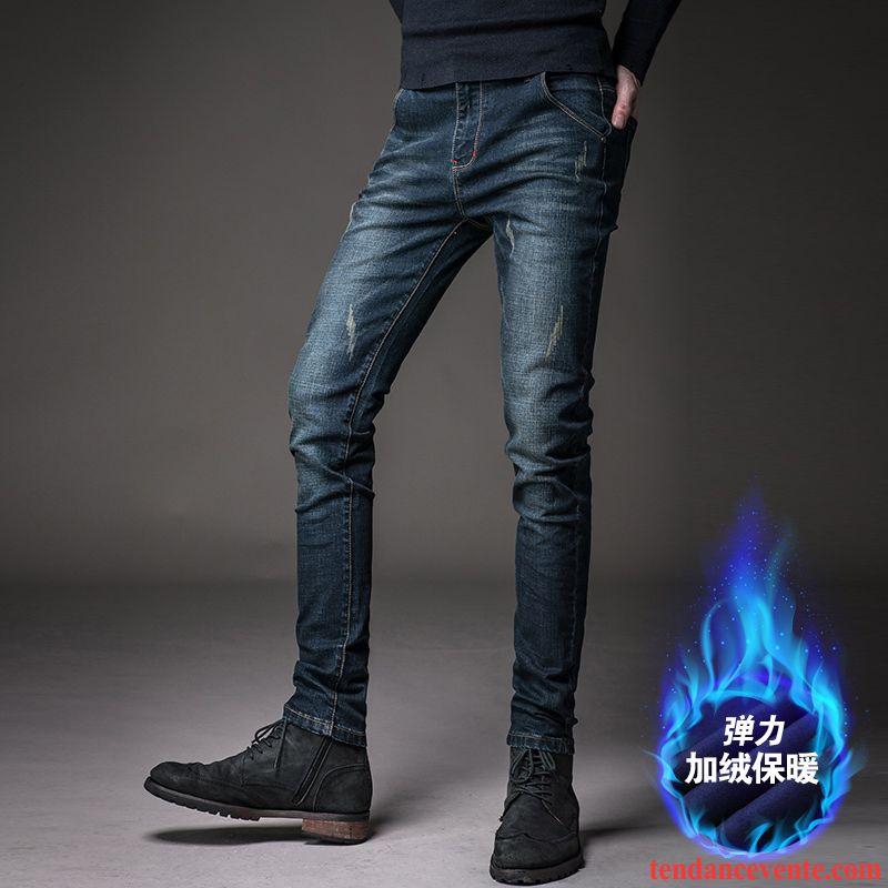 Coupe de jean pour homme mince